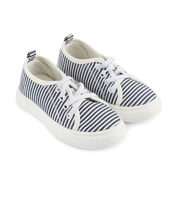 کفش بچگانه جین وست |
