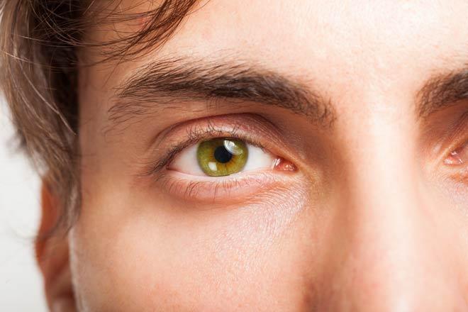 eye-color-green-j-330x220@2x