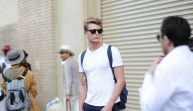 man-wearing-a-white-t-shirt-street-style
