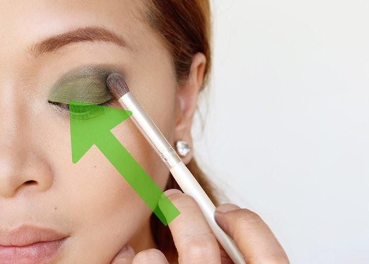 آرایش چشم های سبز