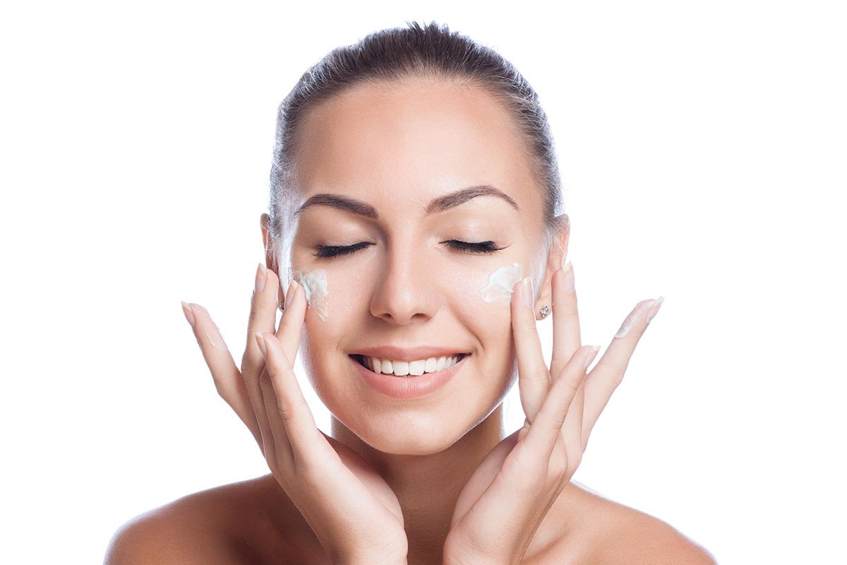 آیا میدانید محیط کار میتواند پوست شما را پیر کند ؟