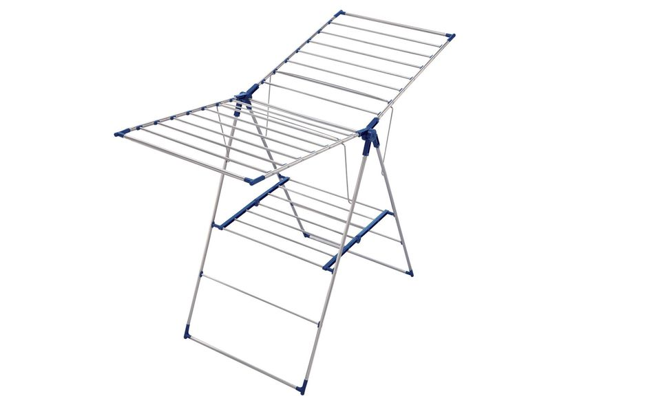 Gullwing-clothesline-588e43605f9b5874ee40bb26
