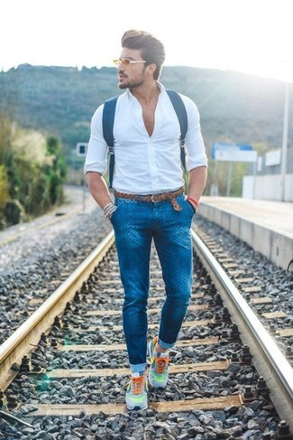 dress-shirt-skinny-jeans-athletic-shoes-large-12238