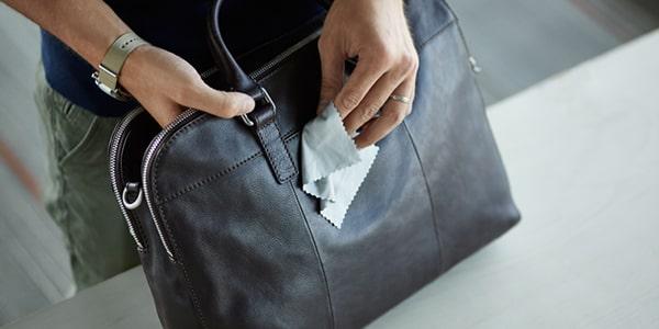 چگونه از کیف چرم نگهداری کنیم؟