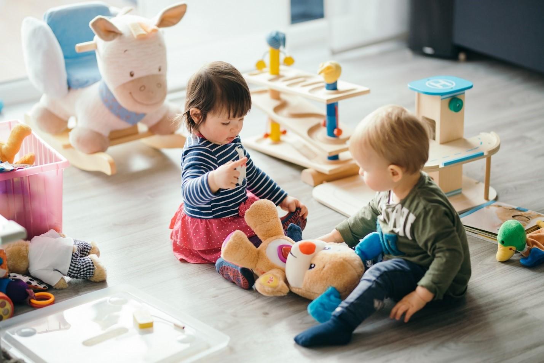خرید اسباب بازی مناسب سن کودک
