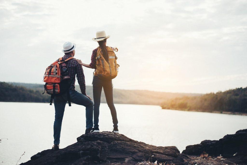 چگونه سفر کم هزینه را تجربه کنیم؟