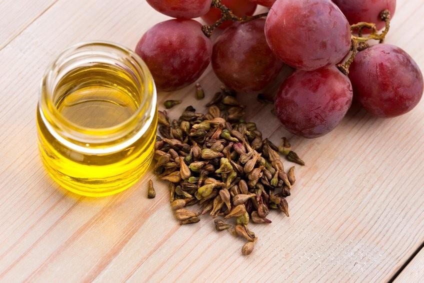 روغن هسته انگور برای تقویت ناخن