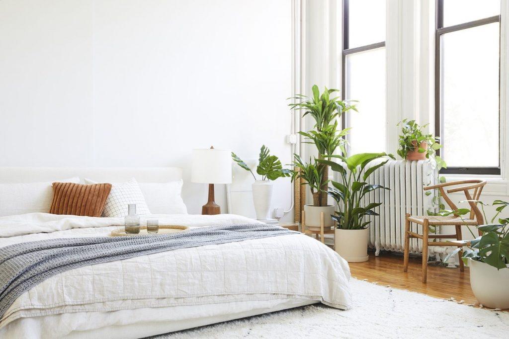 چیدمان اتاق خواب با گل و گیاه