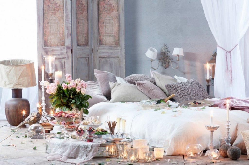 1. تزیین اتاق عروس با شمع