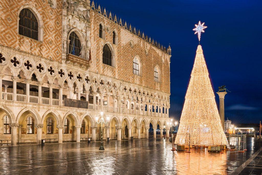 آداب و رسوم سال نو میلادی 2021 در ایتالیا