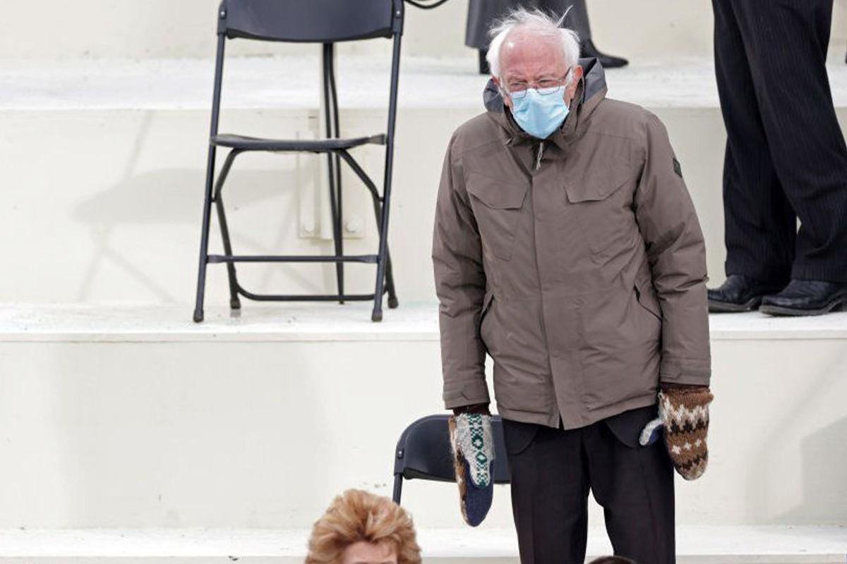 دستکش برنی سندرز در مراسم تحلیف بایدن