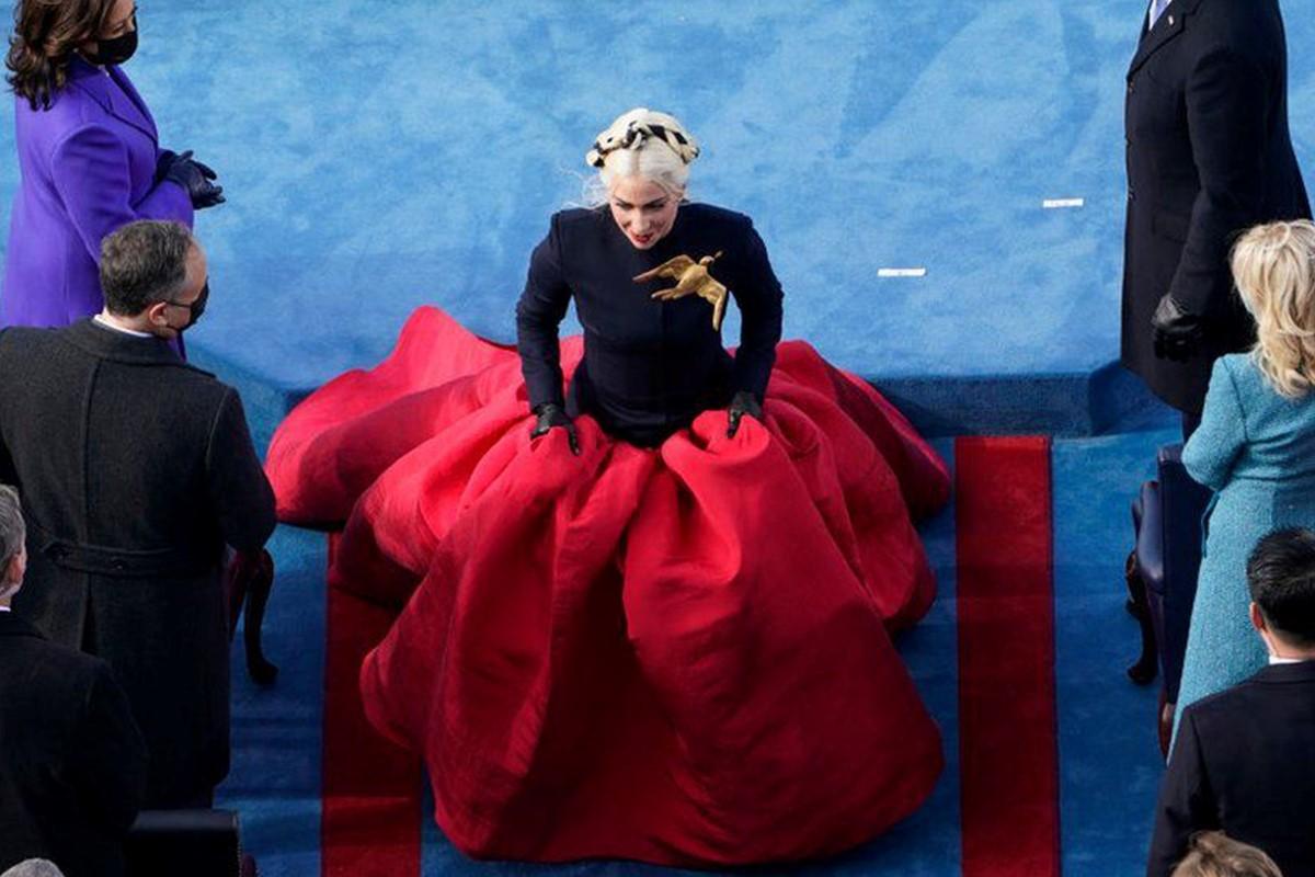 لباس لیدی گاگا در مراسم تحلیف بایدن
