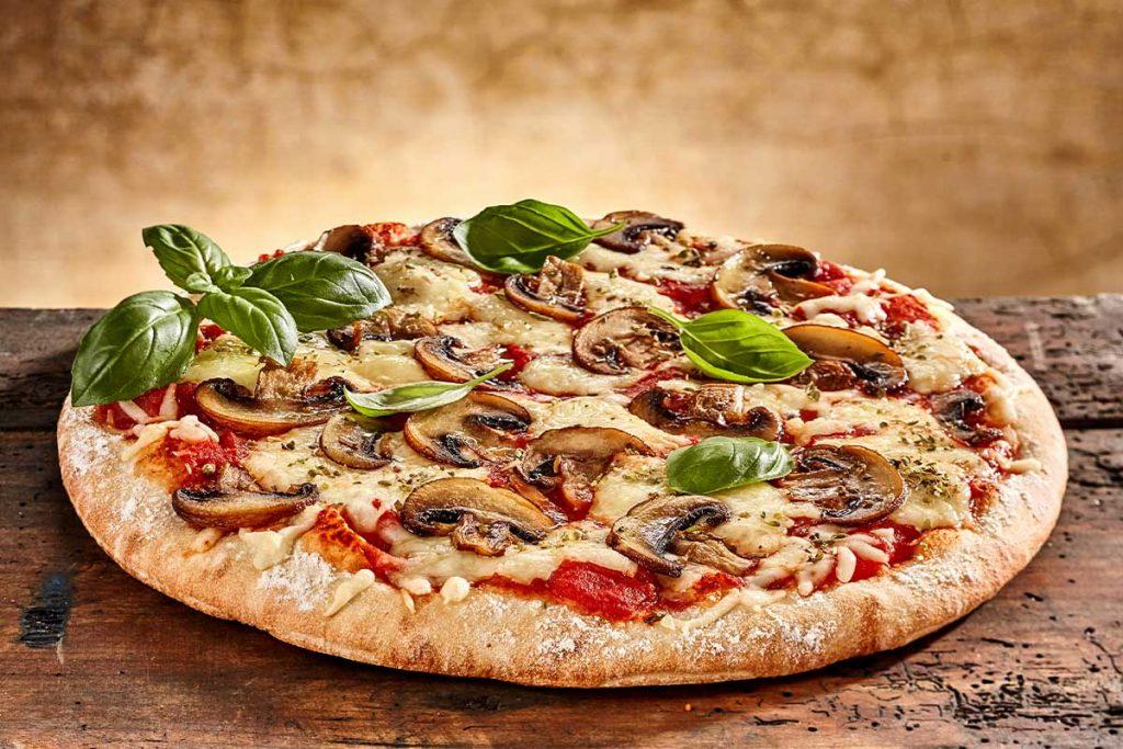 طرز تهیه پیتزا گوشت و قارچ خوشمزه