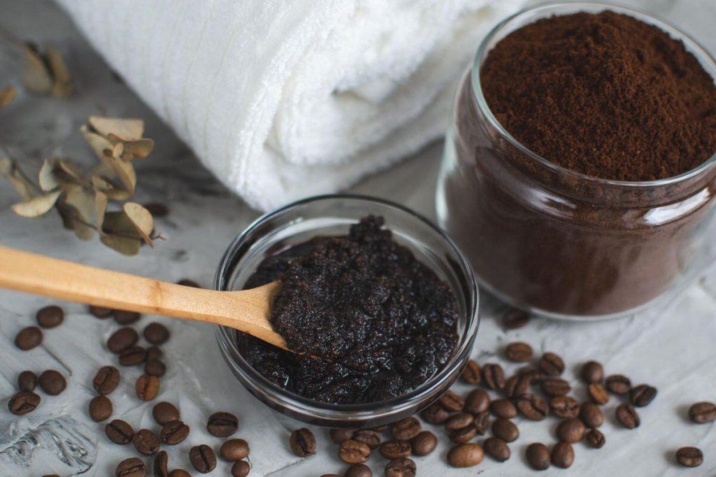 طرز تهیه اسکراب خانگی با قهوه