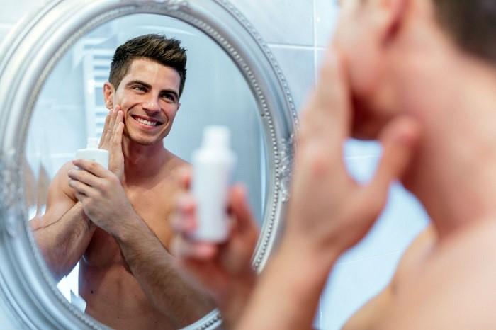 جلوگیری از جوش بعد از اصلاح صورت با مزطوب کننده