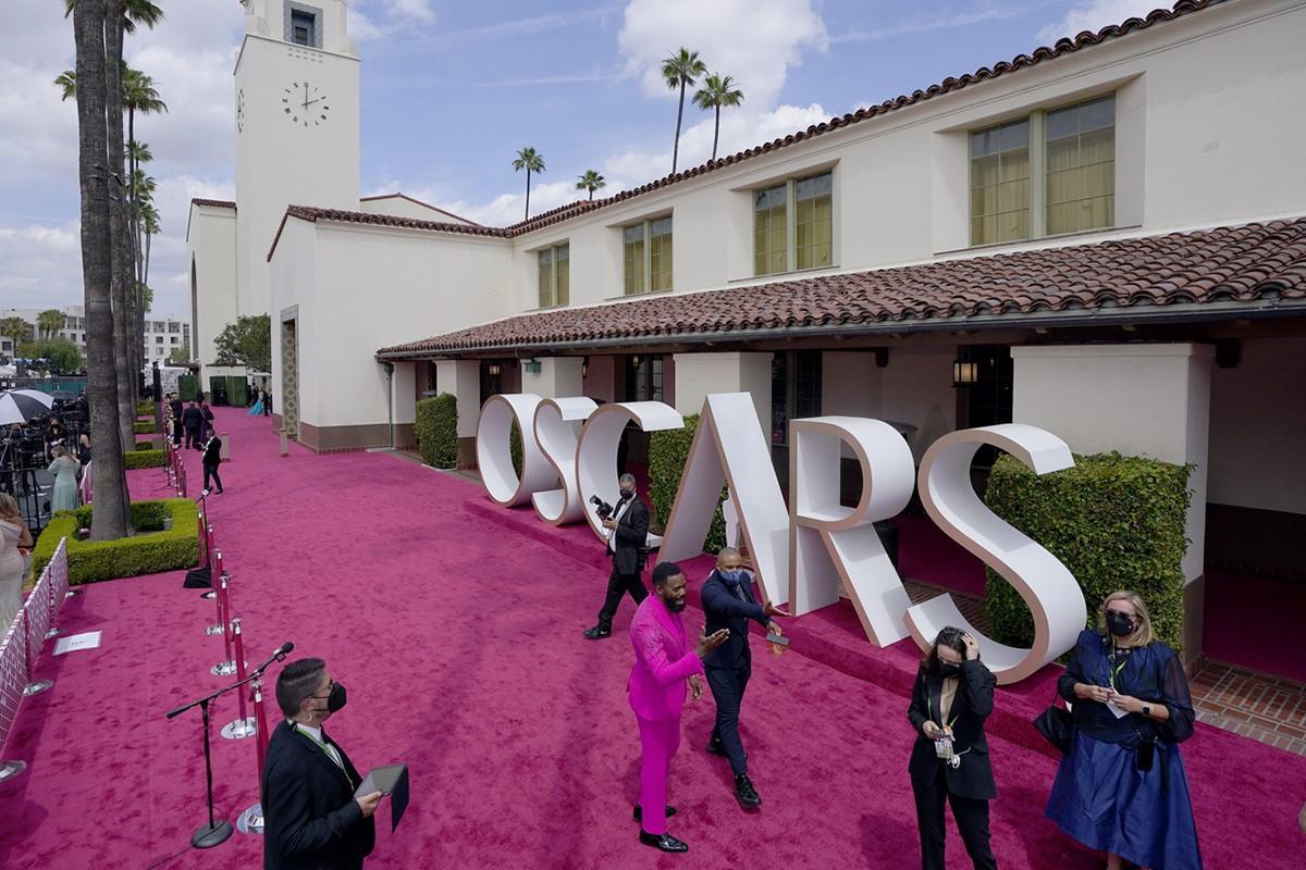 فرش قرمز مراسم اسکار2021