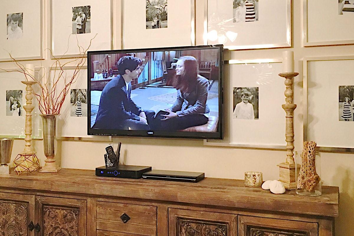 تلویزیون و قاب عکس