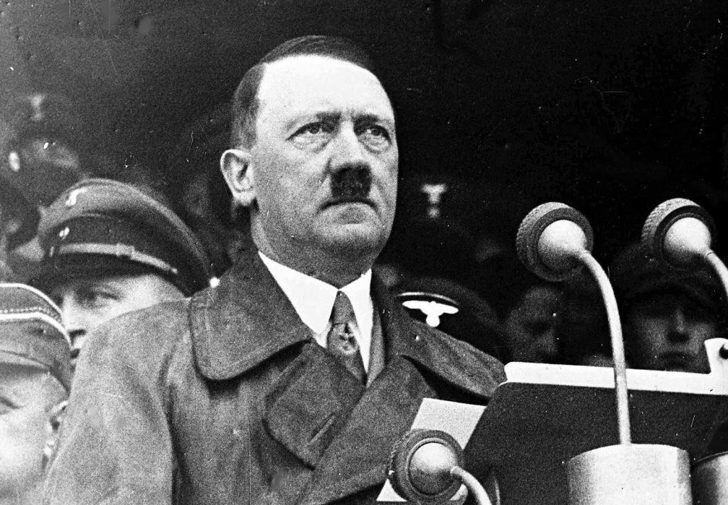 کتاب نبرد من از هیتلر : معروف ترین کتاب یک دیکتاتور در ایران