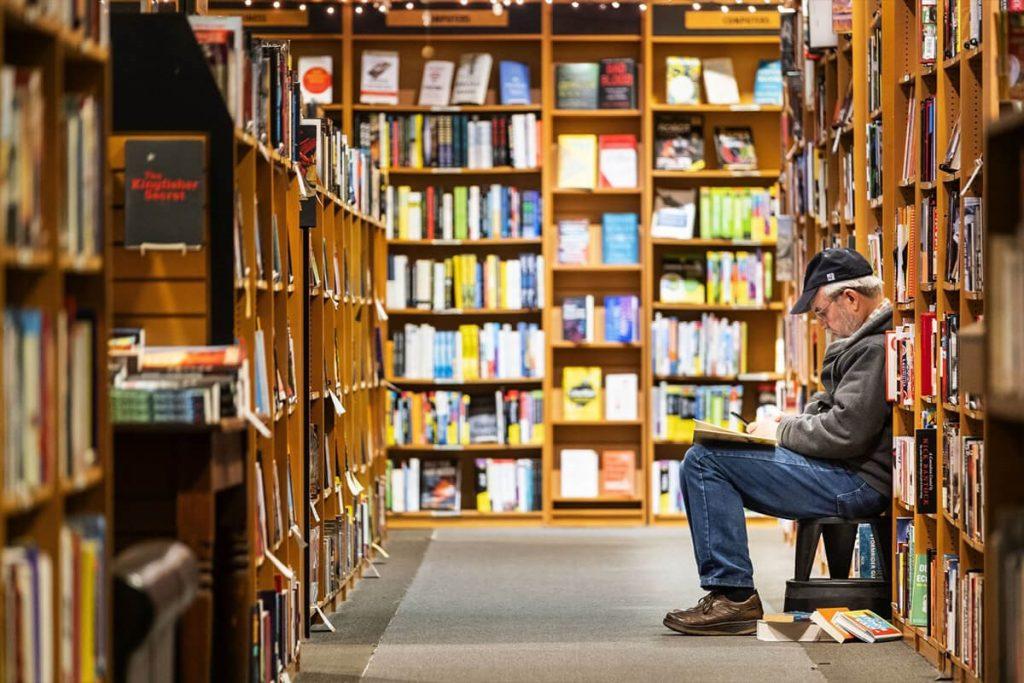 بچه هلی دهه 50 و 60 چه کتاب هایی میخوانند