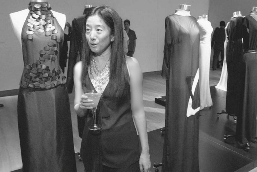 ورا ونگ چه زمانی شروع به طراحی لباس عروس کرد