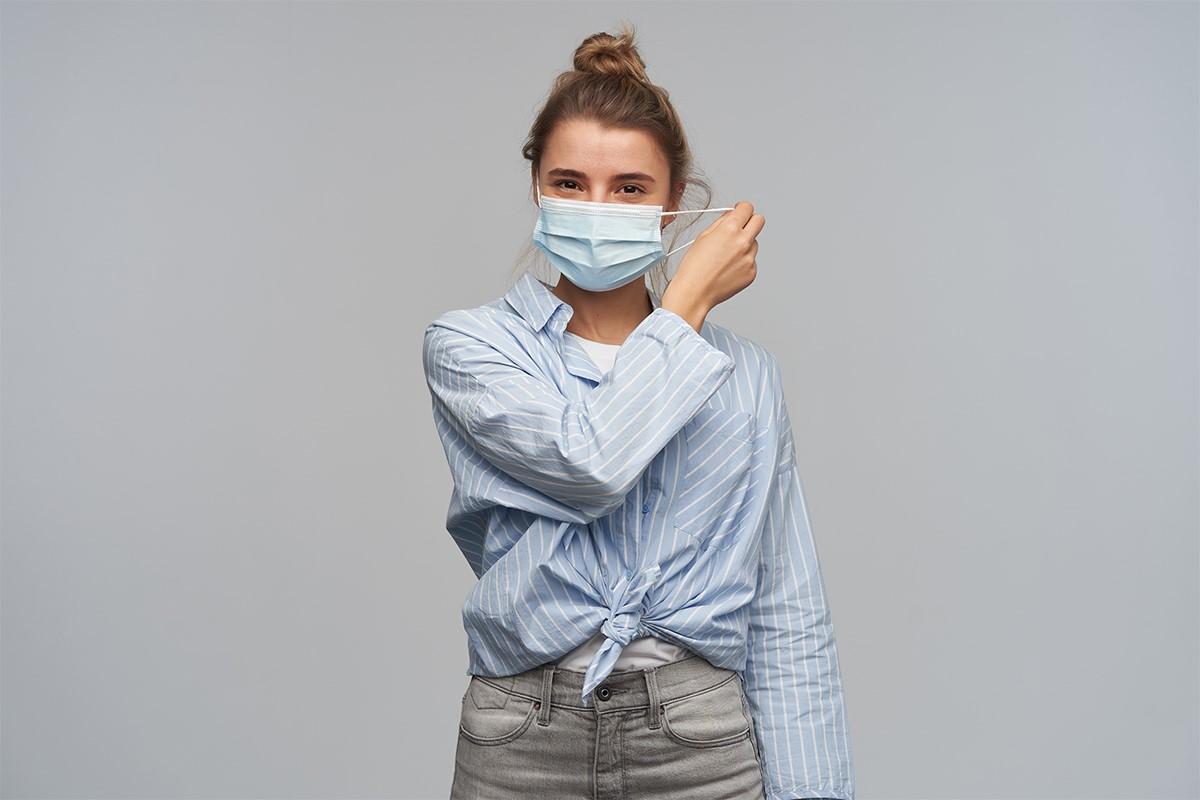 از دست دادن حس بویایی همراه با تب و سرفه مداوم از اصلی ترین علائم ابتلا به ویروس کروناست.
