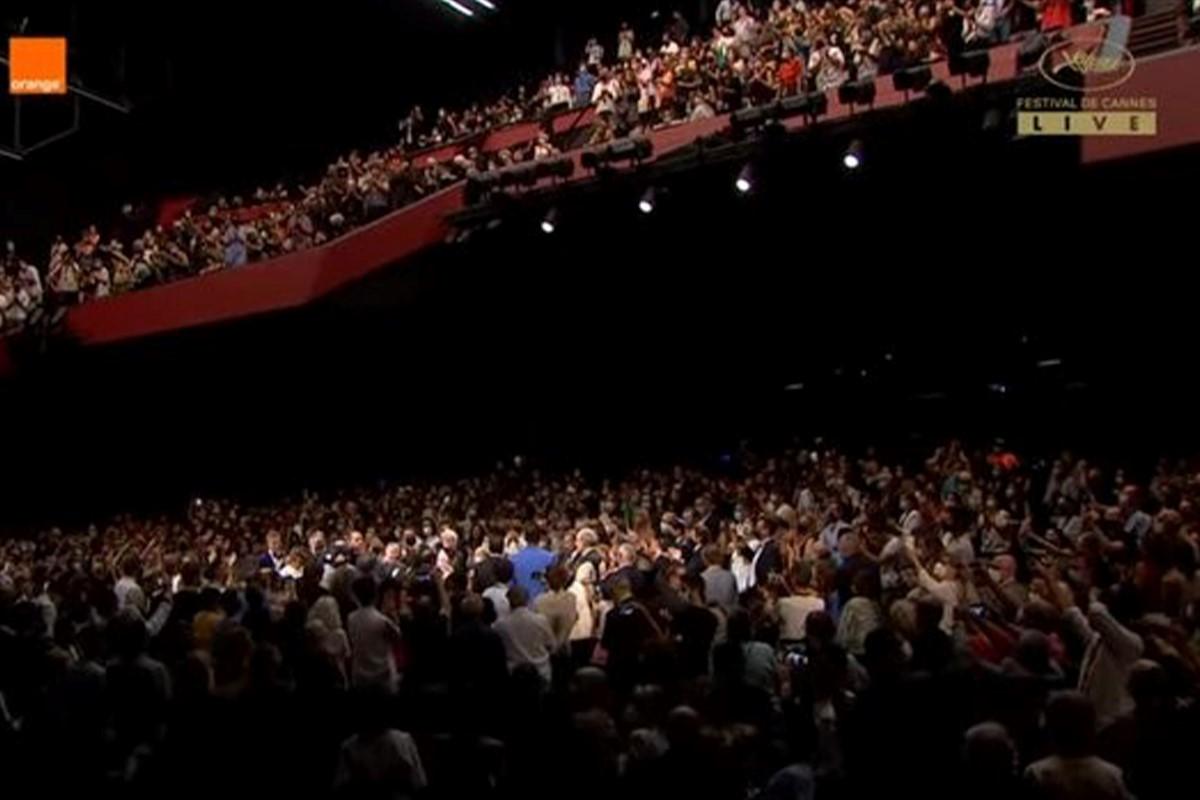 تشویق اصغر فرهادی در جشنواره فیلم کن
