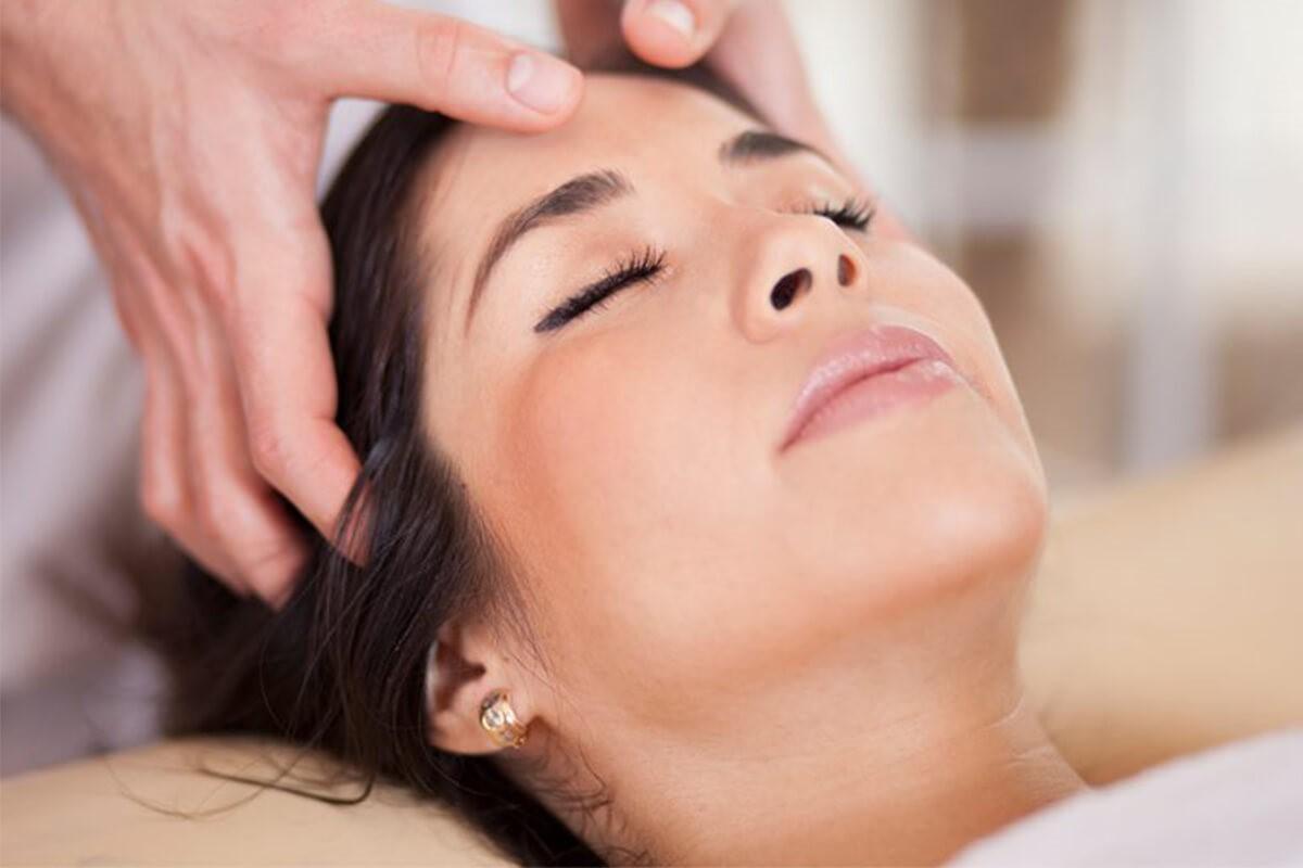انواع روغن های درمانی برای ماساژ صورت