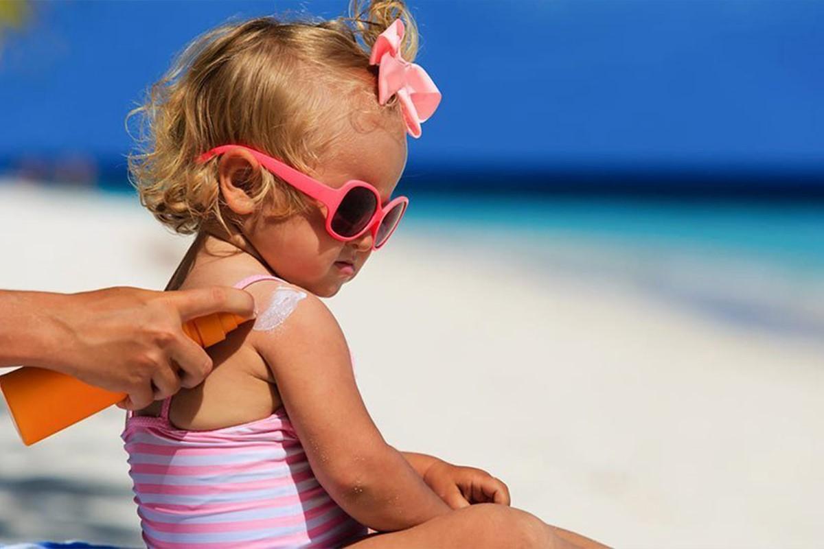 لیست بهترین کرم ضد آفتاب مناسب پوست چرب