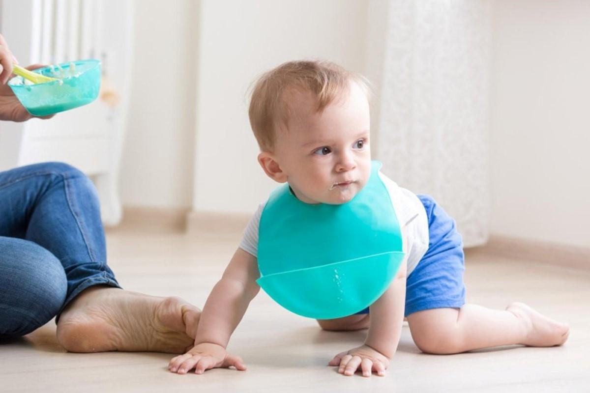 پیشبند نوزادی